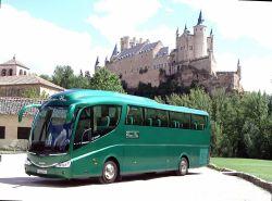 Classic Bus en el Alcazar de Segovia