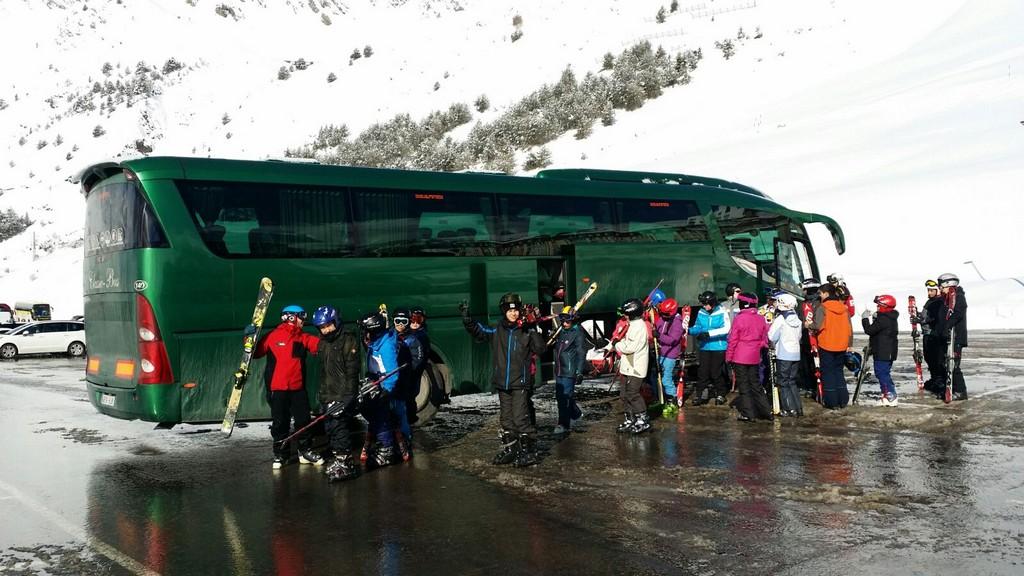 Autobus classic bus nieve2