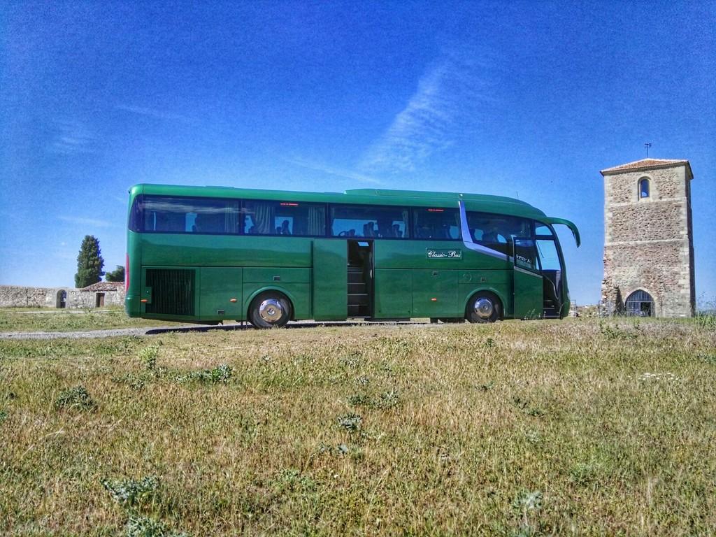 Classic bus Fuentemilanos Santo Tome del Puerto