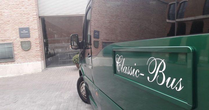 Classic bus Parador Alcala de Henares