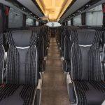 filas de asientos en autobuses de lujo