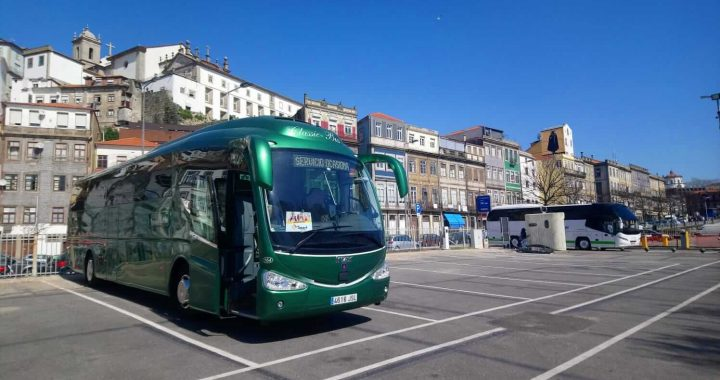 Classic Bus Parking Alfandega Oporto